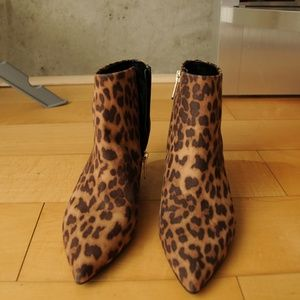 Sam Edelman - Kirby Leopard Booties—NWT